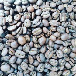 """/// Présentation producteur ///CAFES FACTORIEQui a besoin d'un bon café avec ce temps ☕🤩 ?!Ce matin, nous sommes allés chez notre torréfacteur artisanal Cafés Factorie à Houdan pour vous présenter un peu plus ce producteur.Douceur, force, rondeur, il y en a pour tous les goûts !! La torréfaction est dite lente """"à la française"""" pour garder au mieux les arômes et parfums.Nous avons sélectionné 4 cafés Bio d'Amérique latine et centrale pour la boutique:🌱🏜️🌎🇨🇴* Le Guatemala, aux notes de fraises, mangues & chocolat 🍓🍫🥭* Le Colombien, aux parfums délicieux florales, acidité explosive 🌸💣 notre petit préféré* Le Pérou, acidulé et aux notes de fruits rouges 🍒* Le Mexicain, notes de noisettes & de cacao 🌰 🇲🇽@cafesfactorerie#torréfactionlente #grandcrudameriquecentrale #cafesbiologiques #arômes #expresso #meilleurscrus #parfumsdecafe #cafésprestiges"""