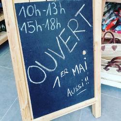 Nous serons ouvert vendredi 1 et mai avec les mêmes horaires que d'habitude !! Les livraisons des paniers à domicile et à la boutique seront également assurées 💪🤗🍏🍎🧅🥕🥔 #fetedutravail #produitslocaux #circuitcourt #locavore #ecocinelle #onlacherien