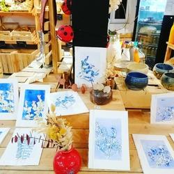 Pour Noël retrouvez les magnifiques cartes de l'artiste locale Nathalie Gosetto de la Queue Lez Yvelines ou encore les céramiques de l'atelier du curieux de Garancières.> > >Des petites pépites locales et durables, parfait cadeau poétique > > > 🙌🤩🤗🌿🐞🐞🐞🐞🐞🐞🐞#ceramiques #artisantslocaux #atelierducurieux #cadeauxdurables #empreintes #encresurpapierEcocinelle boutiqueEpicerie indépendante ouvert du mardi au vendredi : 10h-13h / 15h-19h etle samedi : 9h30-13h30 / 15h30-19h12 rue nationale 78940 LA QUEUE LEZ YVELINESTél :09 51 52 49 48----Parking à 20 mètres------N'hésitez pas à liker, partager, commenter et donner votre avis sur google pour nous soutenir !------ #local #vrac #locavore #vracindependant #zerodechet #epicerieindependante #ecoresponsable #zerowaste #antigaspi #yvelines #produitslocaux #produiteniledefrance #laqueuelezyvelines #galluis #montfortlamaury #garancieres #ecocinelle