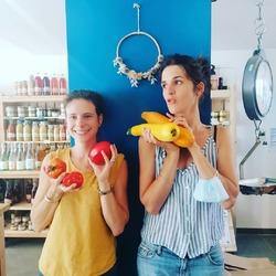 C'est la reprise chez Ecocinelle avec le soleil !!🍅🍎🍏🍓🥒🥕🍑🥦🥬🧄🌰🍆Bien que Marine a encore un peu les yeux rivés sur les vacances, nous sommes d'attaque pour vous acceuillir à la boutique. 💪🏼📸😜Avec de jolis produits et projets ramenés dans nos valises, surprises...#reprise #idées #rentrée #réouverture #batteriesrechargés #projets #nouveautés #vitamines #surprises #lesgenssérieux🌞🌞🌞🌞🌞🌞🌞Ecocinelle boutiqueEpicerie indépendante ouvert du lundi au vendredi : 10h-13h / 15h-19h etle samedi : 9h-13h / 15h-19h12 rue nationale 78940 LA QUEUE LEZ YVELINESTél :09 51 52 49 48----Parking à 20 mètres------N'hésitez pas à liker, partager, commenter et donner votre avis sur google pour nous soutenir !------ #local #vrac #locavore #vracindependant #zerodechet #epicerieindependante #ecoresponsable #zerowaste #antigaspi #yvelines #produitslocaux #produiteniledefrance #laqueuelezyvelines #galluis #montfortlamaury #garancieres #ecocinelle