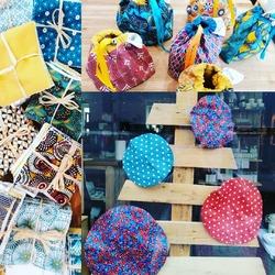 On a pleins d'idées zéro déchets pour vos cadeaux de Noël !!!* Lingettes démaquillantes* Recouvres bols* Furoshikis* Sacs à tarteIl y en a pour tous les goûts et toutes les couleurs.😜🤶🦸♀️🤩💐🍒🍉🍇🌎🌈#tissusoekotex #sacatarte #furoshiki #faitmain #tissusenduits #onreutilise #lingetteslavables🐞🐞🐞🐞🐞🐞🐞Ecocinelle boutiqueEpicerie indépendante ouvert du mardi au vendredi : 10h-13h / 15h-19h etle samedi : 9h30-13h30 / 15h30-19h12 rue nationale 78940 LA QUEUE LEZ YVELINESTél :09 51 52 49 48----Parking à 20 mètres------N'hésitez pas à liker, partager, commenter et donner votre avis sur google pour nous soutenir !------ #local #vrac #locavore #vracindependant #zerodechet #epicerieindependante #ecoresponsable #zerowaste #antigaspi #yvelines #produitslocaux #produiteniledefrance #laqueuelezyvelines #galluis #montfortlamaury #garancieres #ecocinelle