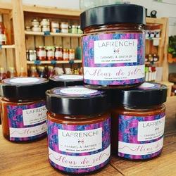 On ne s'arrête pas dans les nouveautés sucrées (ca doit être un truc de femme enceinte 😇🤰🙄) ! Découvrez sur notre site internet www.ecocinelle.net et aussi en boutique les caramels à tartiner à la fleur de sel ou citron ou encore divers pate a tartiner 😋 On reste toujours dans le local car le tout est confectionné avec amour par @lafrenchi.fr situé à Paris !!!#caramel #local #ecocinelle #boutique #douceursucree ----- Ecocinelle boutiqueEpicerie indépendante ouvert du mardi au vendredi : 10h-13h / 15h-19h et le samedi : 9h30-13h30 / 15h30-19h 12 rue nationale 78940 LA QUEUE LEZ YVELINES Tél :09 51 52 49 48 ---- Parking à 20 mètres ------ N'hésitez pas à liker, partager, commenter et donner votre avis sur google pour nous soutenir ! ------ #local #vrac #locavore #vracindependant #zerodechet #ecoresponsable #zerowaste #antigaspi #yvelines #produiteniledefrance