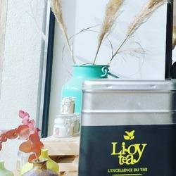 """Arrivée de nouveaux'thés!!! 🙃🤩* """"Couleur d'Inde"""" fait son entrée pour le thé noir☕* """"Parfum de jasmin"""" pour le thé vert 🍵* """"Prélude du soir"""" aux notes de fleurs de tilleul & d'oranger pour les infusions 🌼🍂* """"Philtre d'Aphrodite"""" Rooibos aux touches de Gingembre & épices fait son grand retour 🧉Le tout préparer par la talentueuse Ludivine à Hargeville dans le 78 @lioyteaDe quoi réchauffer les coeurs !😜☕🍵🏵️🔥🌈Ecocinelle boutiqueEpicerie indépendante ouvert du mardi au vendredi : 10h-13h / 14h-18h etle samedi : 9h-13h / 14h-18h12 rue nationale 78940 LA QUEUE LEZ YVELINESTél :09 51 52 49 48----Parking à 20 mètres------N'hésitez pas à liker, partager, commenter et donner votre avis sur google pour nous soutenir !------ #local #vrac #locavore #vracindependant #zerodechet #epicerieindependante #ecoresponsable #zerowaste #antigaspi #yvelines #produitslocaux #produiteniledefrance #laqueuelezyvelines #galluis #montfortlamaury #garancieres #ecocinelle #thébio #thelovers #rooibos #thévert #thénoir"""